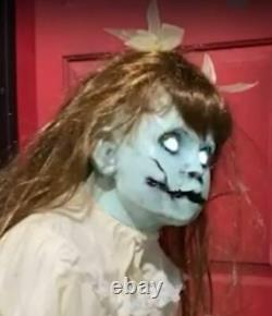 38 ANIMATED CRAWLING POSSESSED GIRL Halloween Prop PRESALE