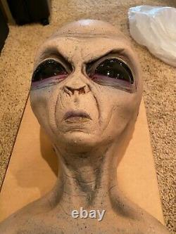 Alien Foam Filled Prop Lifesize UFO Roswell Martian Area 51 Halloween