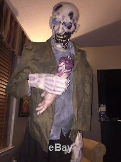 Flesh Eating Zombie 2011 Spirit Halloween Static Prop Walking Dead Modified Used