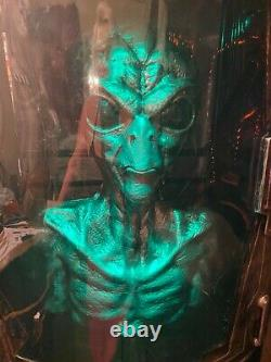 GEMMY LIFE SIZE Area 31 Alien Capsule prop- SPIRIT HALLOWEEN ANIMATRONIC 100%