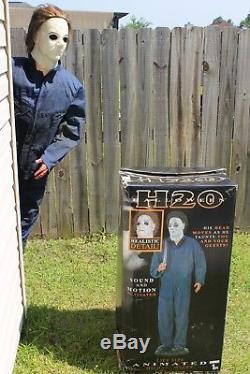 Gemmy Lifesize Animated H2O Michael Myers Halloween Animatronic + Two Strobes