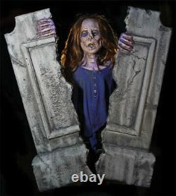 Halloween Life Size Animated Cracking Crypt Zombie Prop Decoration Animatronic