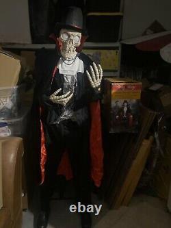 LIFE SIZE ANIMATED SKELETON VAMPIRE DRACULA HALLOWEEN PROP Spirit Animatronic