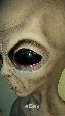 Life size foam halloween roswell carpool buddy alien prop