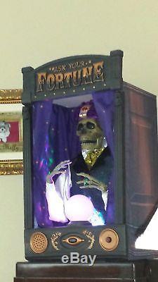 NEW Life-Sized MOVING Halloween Lighted Skeleton Fortune Teller TALKS